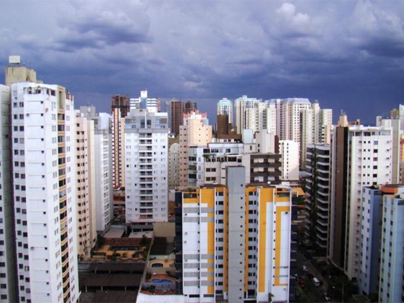 Como fica o mercado imobiliário após a alta da Selic