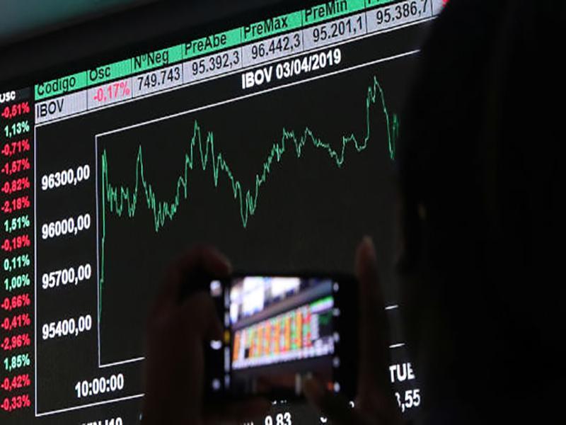 Ibovespa futuro opera em alta mesmo com disputa comercial outra vez em pauta