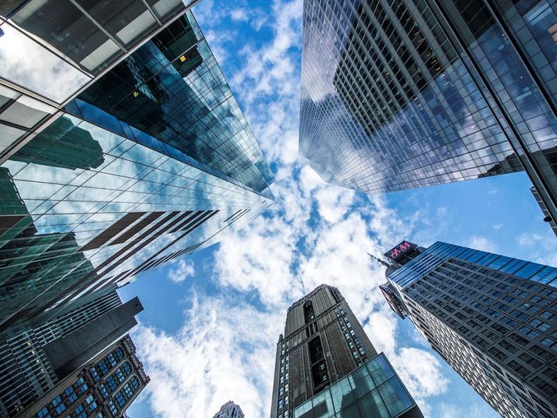 Crise no mercado imobiliário? MRV e LOG passam longe, segundo CEOs