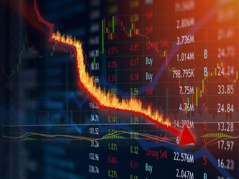 Ibovespa cai 10% após chegar a bater 14% depois de um circuit breaker; dólar sobe a R$ 4,95
