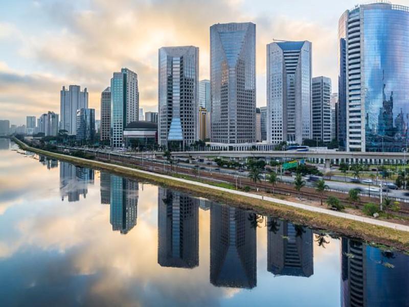 Novos arranha-céus dominam São Paulo em boom imobiliário
